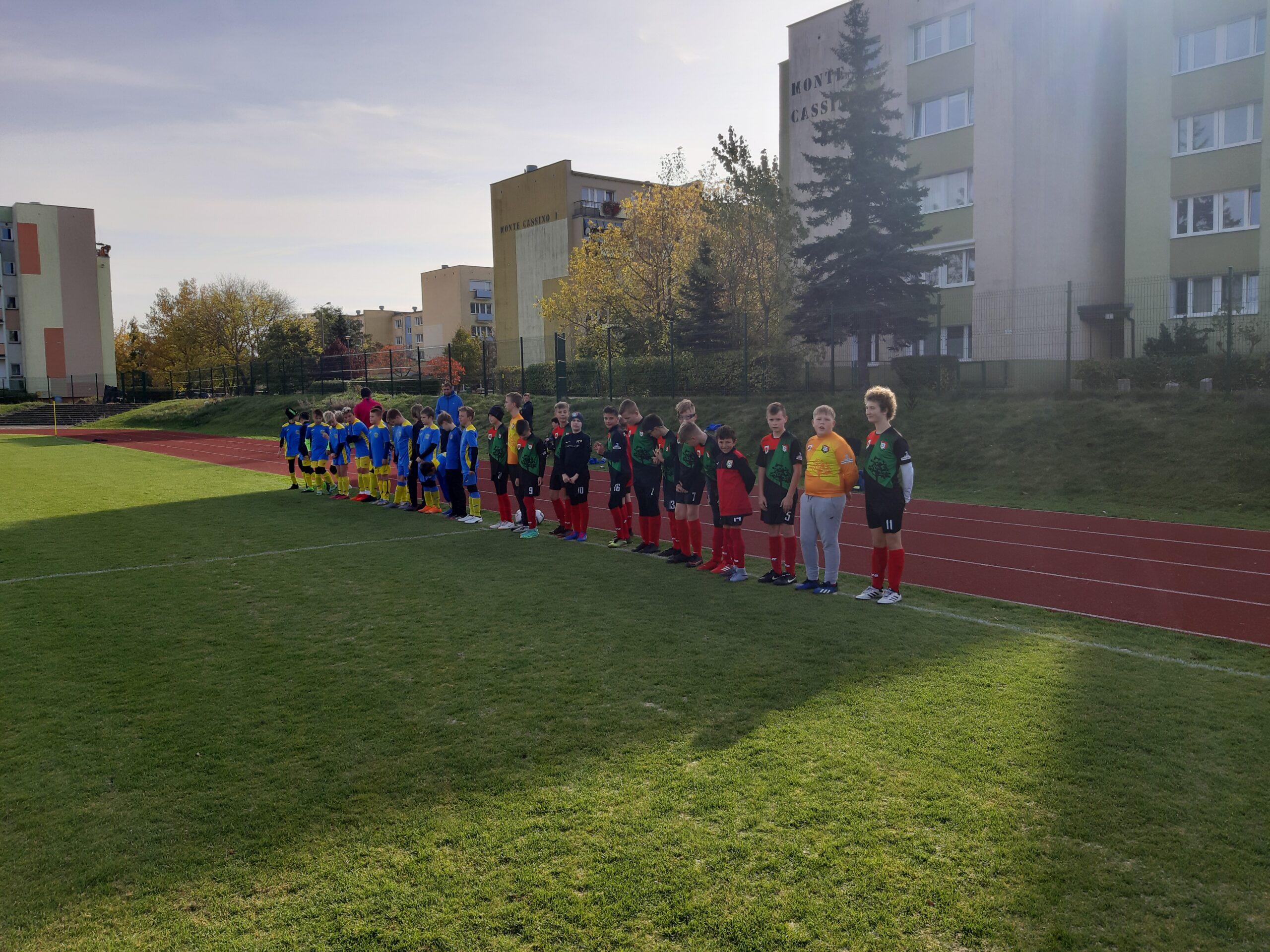 Read more about the article Relacja – mecz młodzicy LKS Dąb BOSiR Barcin 17-10-2021